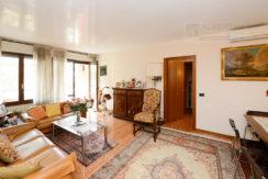 Verona – Via Albere – Appartamento con tre camere