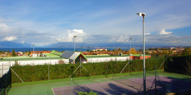 15 Campo da tennis